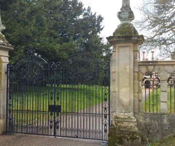 Longstowe Hall Gate 4