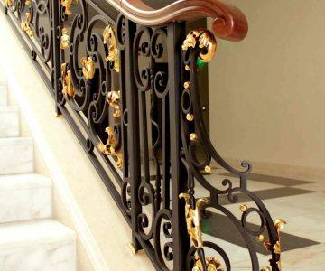 Staircase Astor Garden Hotel 10