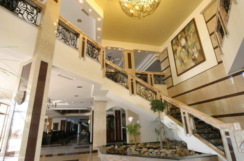 Staircase Hotel Helena Resort 4